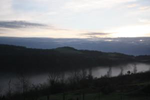 Lac de brouillard en ce joli mois de mai./ Photo DR Lexie Swing