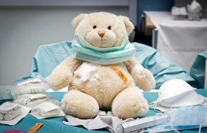 Teddy bear doctor./ Photo Christiaan Triebert