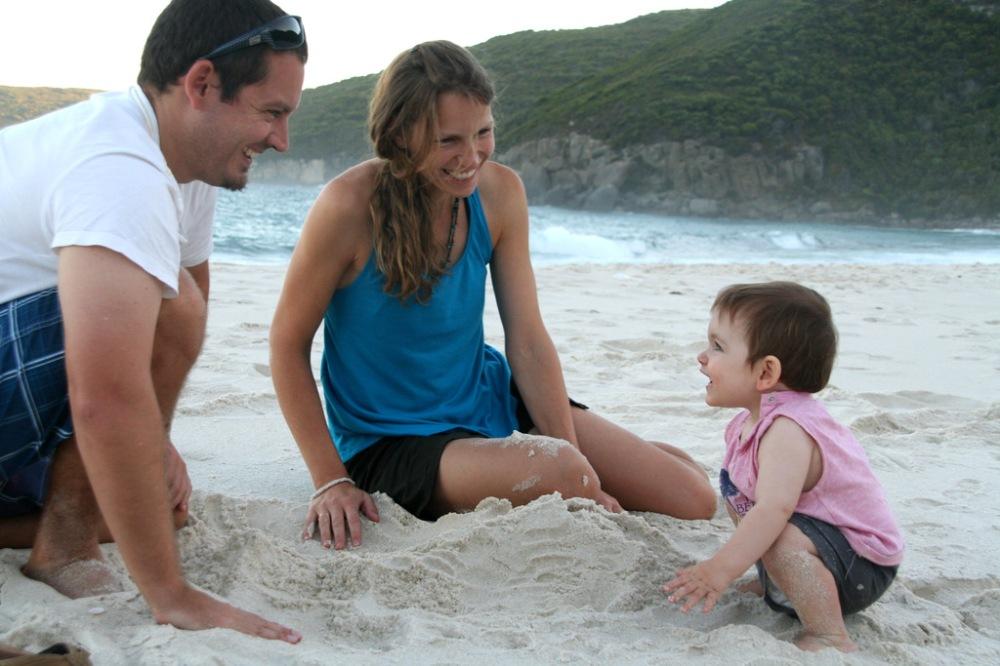 Christophe, Mélanie et James, 14 mois./ Photo C.Baudia