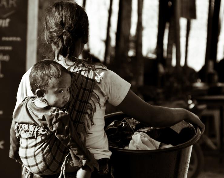 De l'universalité du porte-bébé./ Photo  Peter Halling Hilborg