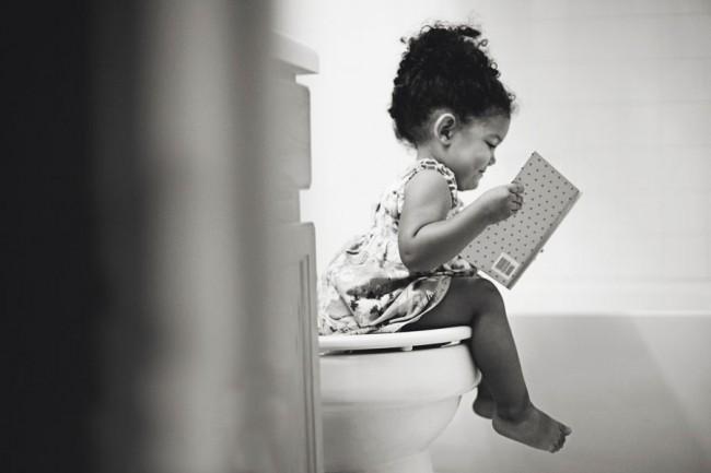 """La photo intitulée """"Ready on potty""""./"""