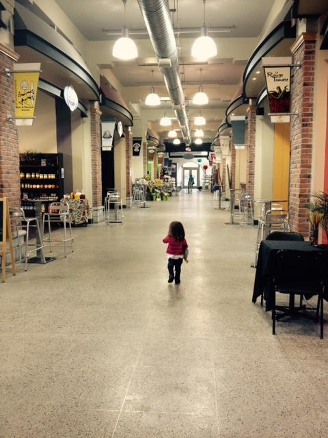 La miss au marché Saint Jacques./ Photo DR Lexie Swing