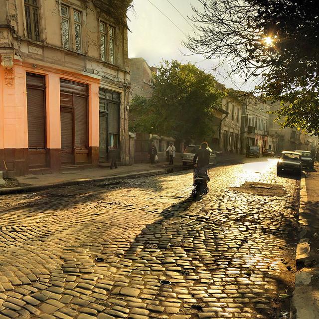 Une rue de Bucarest./ Photo Panoramas