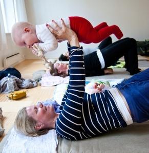Yoga avec bébé./ Photo Aktiv I Oslo.no