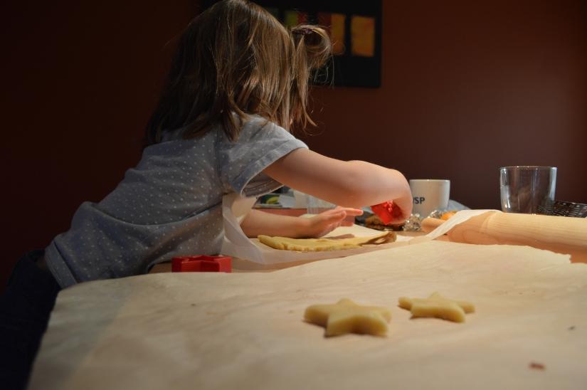 Confection des biscuits./ Photo DR Lexie Swing