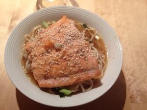 Saumon grillé, nouilles ramen et soupe miso./ Photo DR Lexie Swing