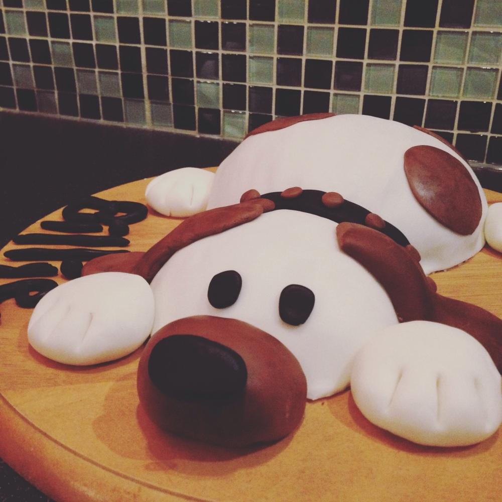 Un gâteau chien pour les trois ans./ Photo DR  Lexie Swin