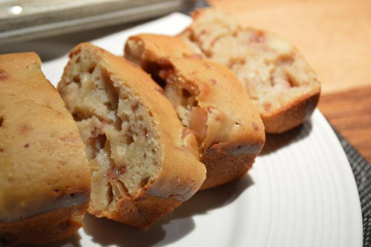 Un cake pommes-framboise qui se prend pour un cake au jambon./ Photo DR Lexie Swing